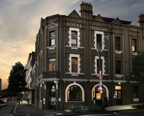 front of Boutique hotel Vulcan Hotel in Sydney