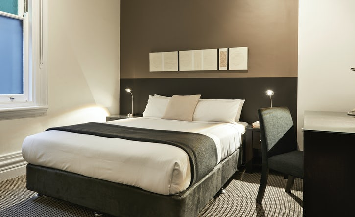 Standard queen room boutique hotel apartment Sydney