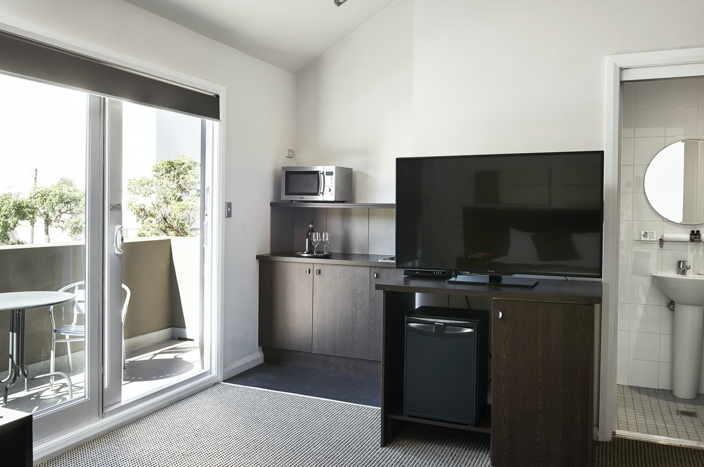 Vulcan Hotel Boutique Accommodation Superior Room kitchenette