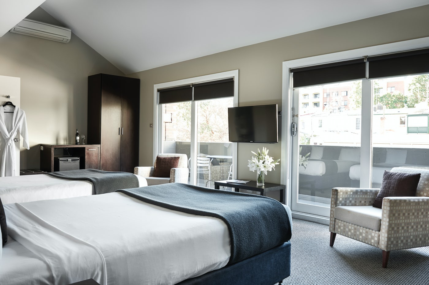 Studio Twin Suite at Boutique Sydney Accommodation - Vulcan Hotel, Ultimo